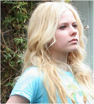 Avril Lavigne without make up