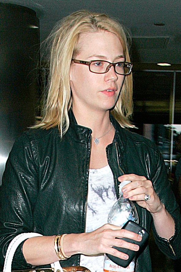 january jones without makeup