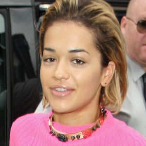 Rita Ora no makeup