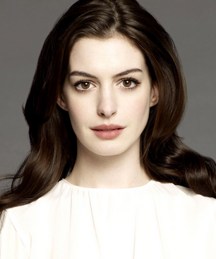 Anne Hathaway with makeup