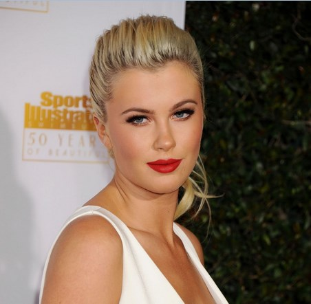 Ireland Baldwin with makeup