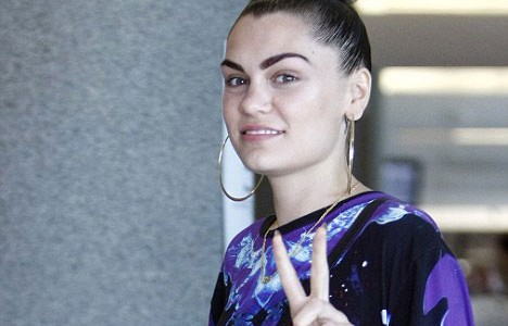 Jessie J no makeup