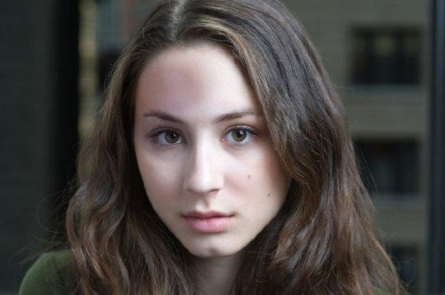 Troian Bellisario no makeup