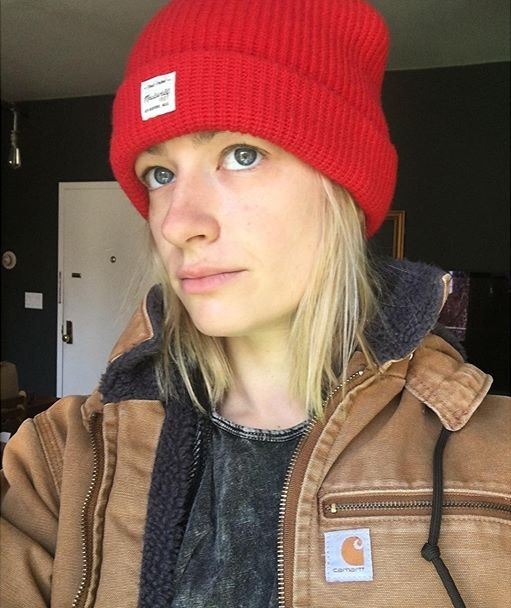 Beth Behrs without make up