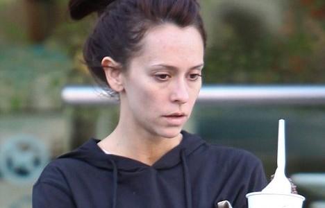 Jennifer Love Hewitt no makeup