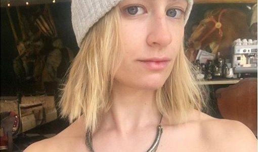 Beth Behrs no makeup